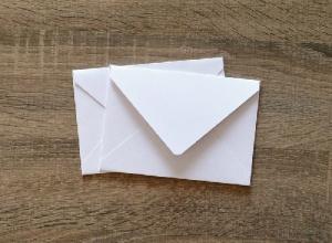 envelope branco pequeno