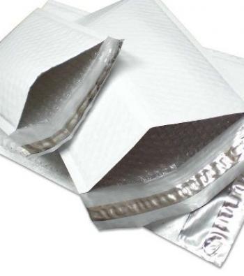 Envelope com lacre adesivo